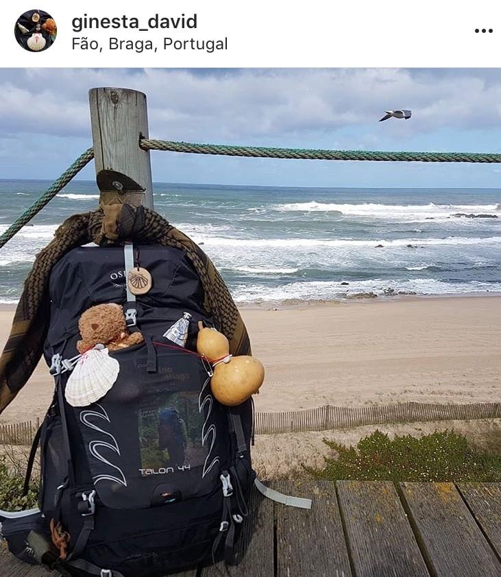 mochilas en el camino de santiago