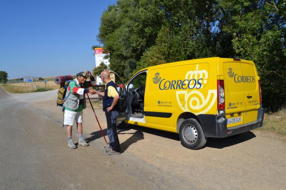 Servicios de atención al peregrino de El Camino de Santiago con Correos