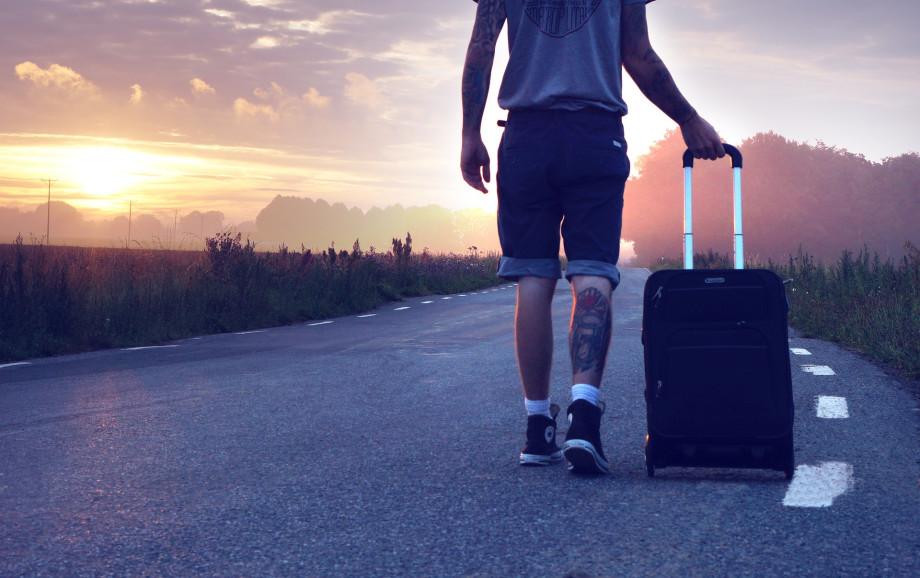 que hacer con el equipaje al llegar el camino de santiago