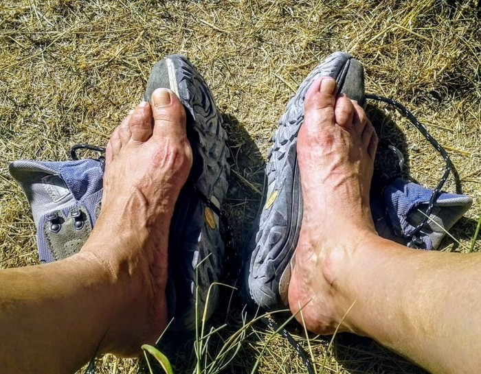 los pies los protagonistas del camino de santiago
