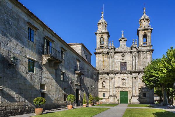 hospedarse en el monasterio do poio