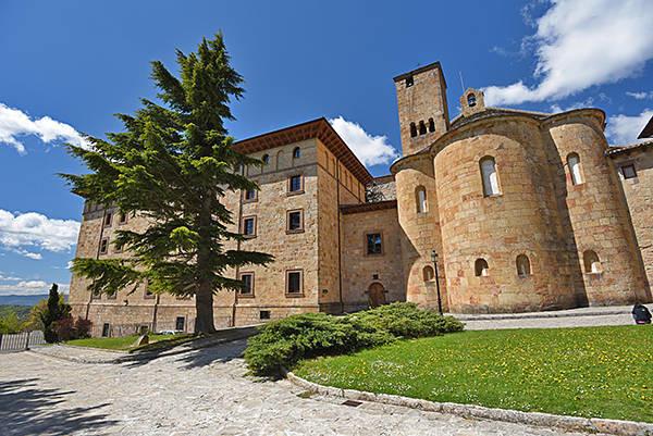 hospedarse en monasterio de leyre