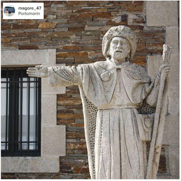 monumentos de dicados a los peregrinos y al camino