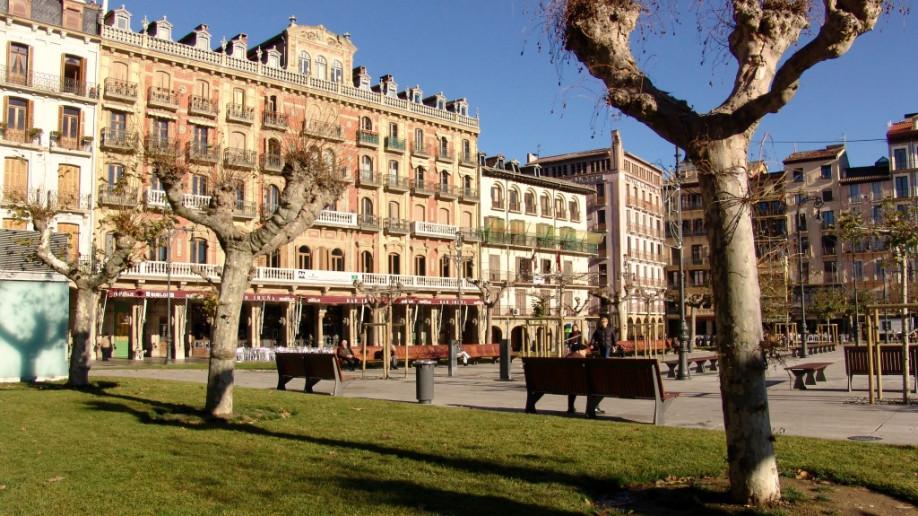 Qué ver y hacer en Pamplona: plaza del Castillo