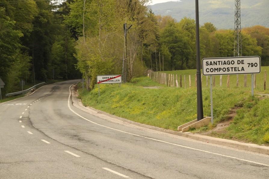 790 kilómetros separan Roncesvalles de Santiago de Compostela
