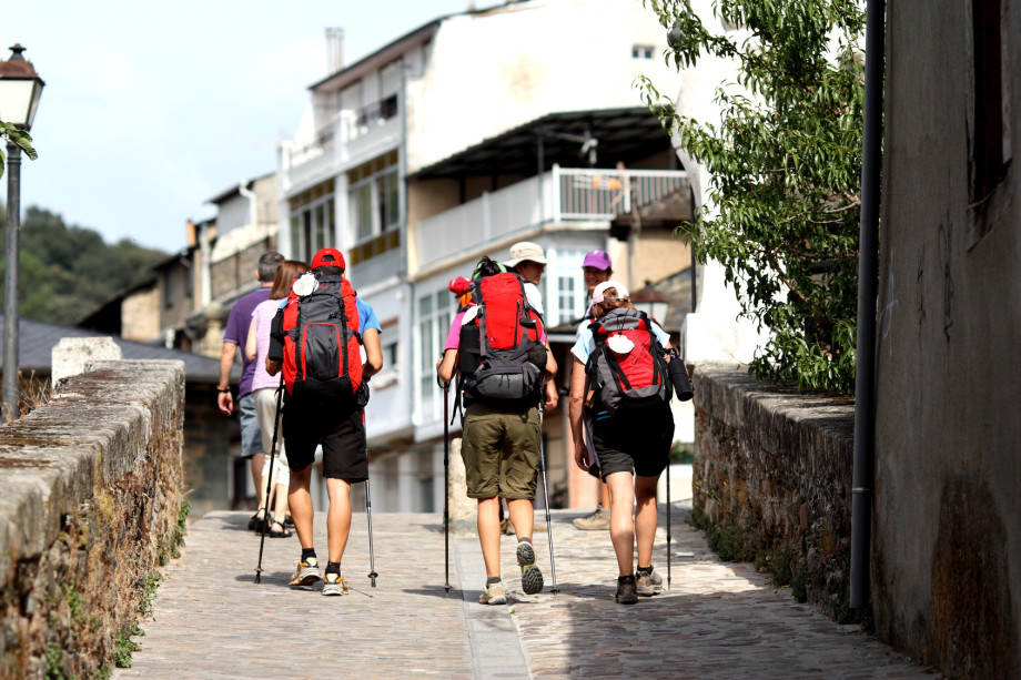 A typical day for pilgrims on the Camino de Santiago