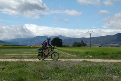Camino de Santiago en bici: qué llevar en la mochila