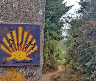 Símbolos del Camino de Santiago en el Camino a Fisterra