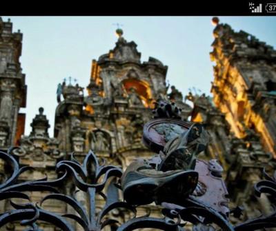 Botas de peregrino en la Catedral de Santiago