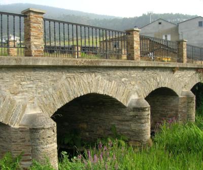 Ponte de Arante, en el Camino del Norte