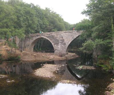 Puente gótico sobre el río Perga, Camino del Norte