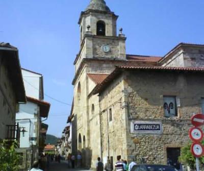 Iglesia de Larrabezua  en el Camino del Norte