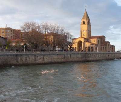 Iglesia de San Lorenzo en Gijón