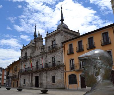 Ayuntamiento de Ponferrada, en el Camino Francés