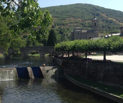 Puente viejo de Molinaseca, en el Camino Francés
