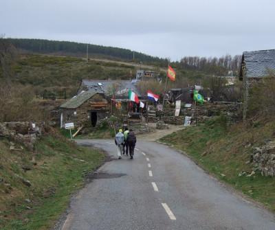 Peregrinos en la etapa León - San Martín del Camino del Camino Francés