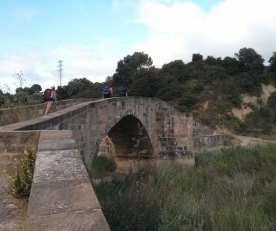 Entrando en Puente la Reina, unión del Camino Francés por Aragón y por Navarra