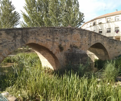 Puente sobre el río Arga en Puente la Reina