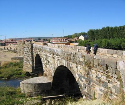 Puente de Hospital de Órbigo, en el Camino Francés