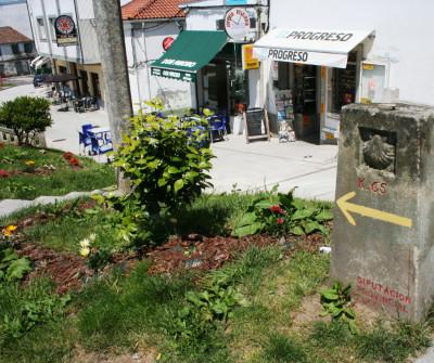 Hito del Camino de Santiago en Portomarín