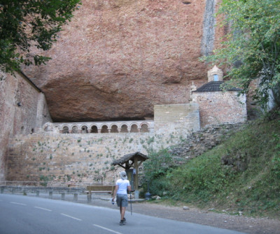 Camino Francés a su paso por el Monasterio de San Juan de la Peña