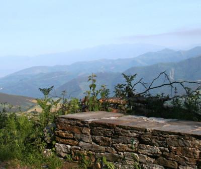 Peregrino en O Cebreiro, en el Camino Francés