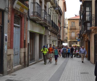 Calles de San Martín del Camino, pueblo del Camino Francés