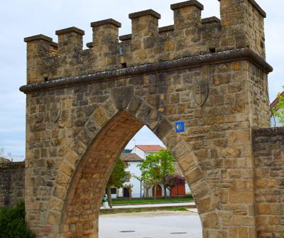Plaza de los Fueros en Obanos, Camino Francés