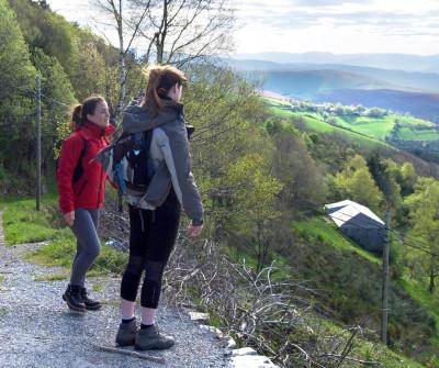 Peregrinos en la etapa Villafranca del Bierzo - O Cebreiro, en el Camino Francés