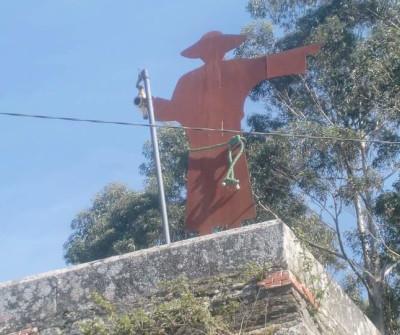 Imagen de un peregrino en Betanzos, Camino Inglés