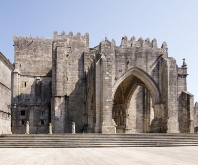 Catedral de Tui en la primera etapa del Camino Portugués