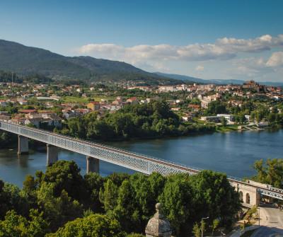 Puente Internacional de Tui, inicio del Camino Portugués