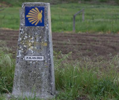 Mojón del Camino Portugués en Padrón