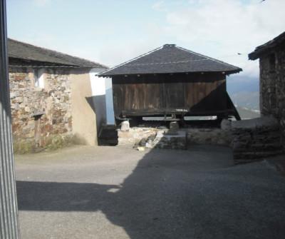 Camino Primitivo a su paso por Montefurado, en Asturias