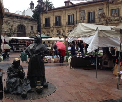 Plaza del Fontán en Oviedo, ciudad inicio del Camino Primitivo