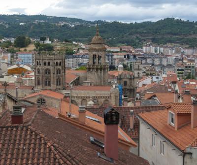 vista de Ourense, punto clave del Camino Sanabrés